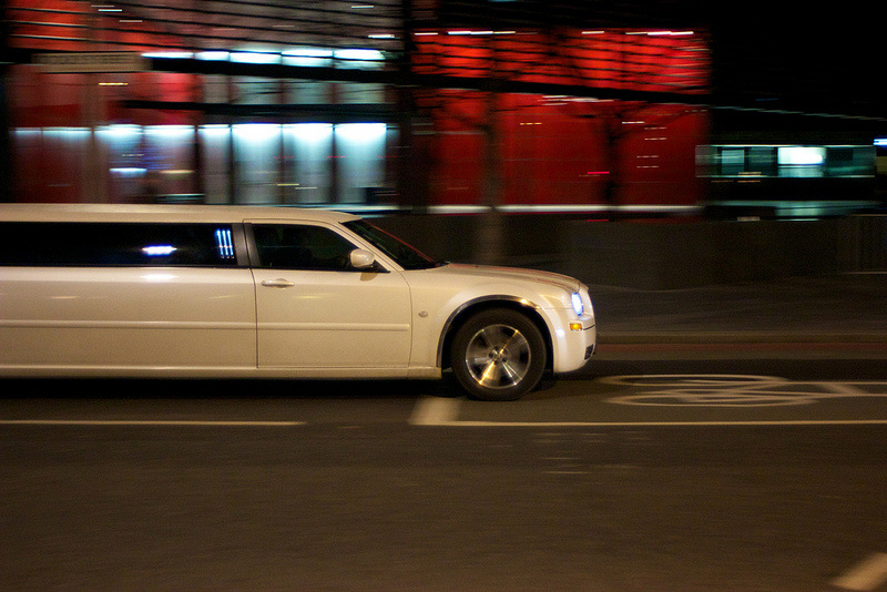 Chrysler 300 stretch limo Phoenix